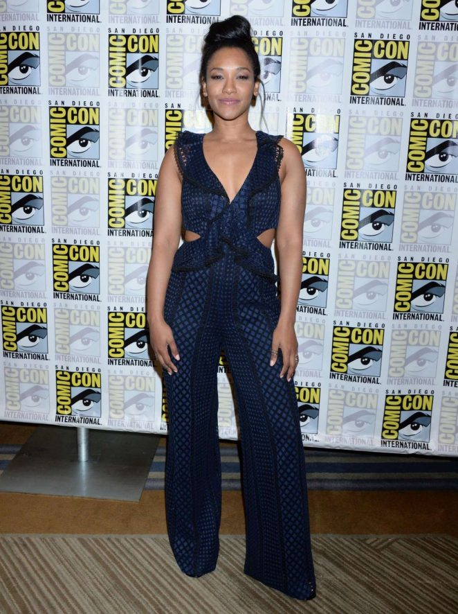 Candice-Patton-'The-Flash'-Photocall-at-2018-Comic-Con-in-San-Diego1