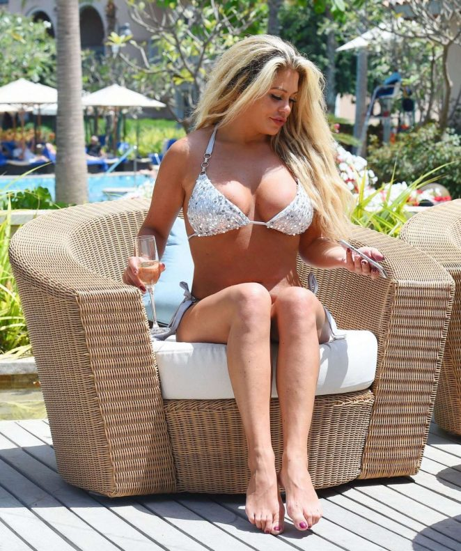 Bianca Gascoigne in Bikini on the pool in Dubai