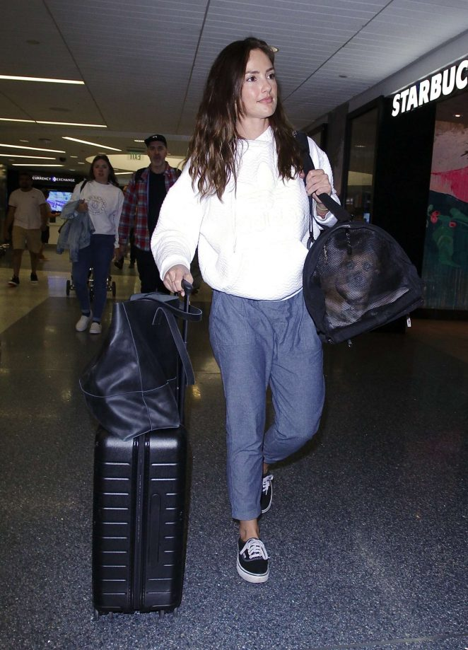 Minka Kelly – Arriving at LAX Airport in Los Angeles