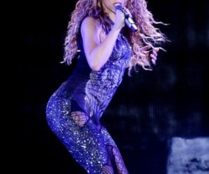 Shakira – Performing on El Dorado World Tour in Sao Paulo