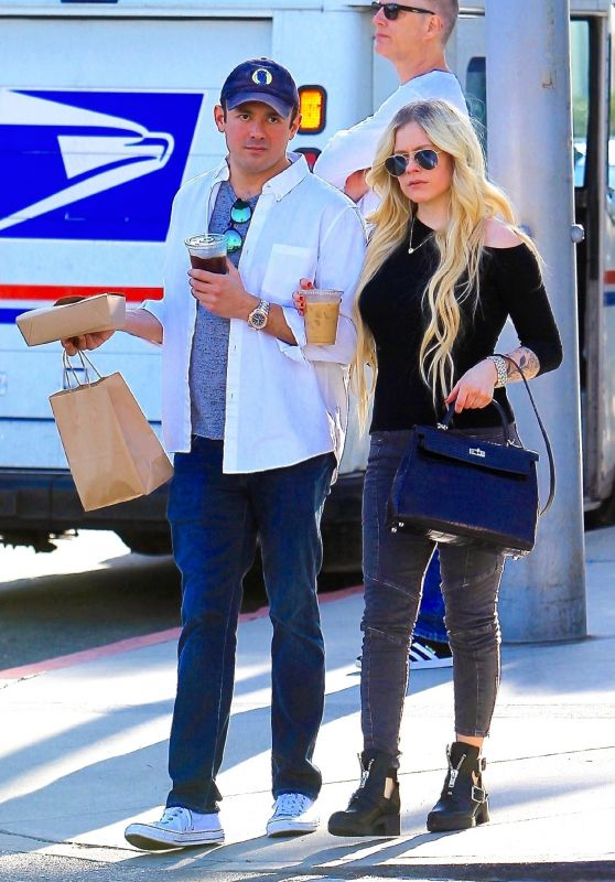Avril-Lavigne-and-Phillip-Sarofim-Out-in-Beverly-Hills