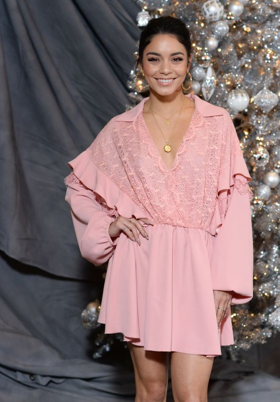 Vanessa-Hudgens-Second-Act-Photocall-in-LA